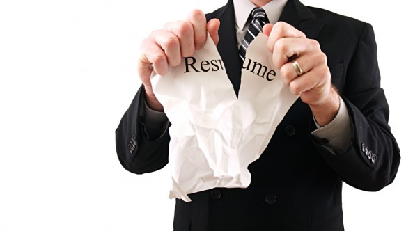 Resume Mistakes 583x332 10 Things an Employer Doesn't Want to See On Your Resume